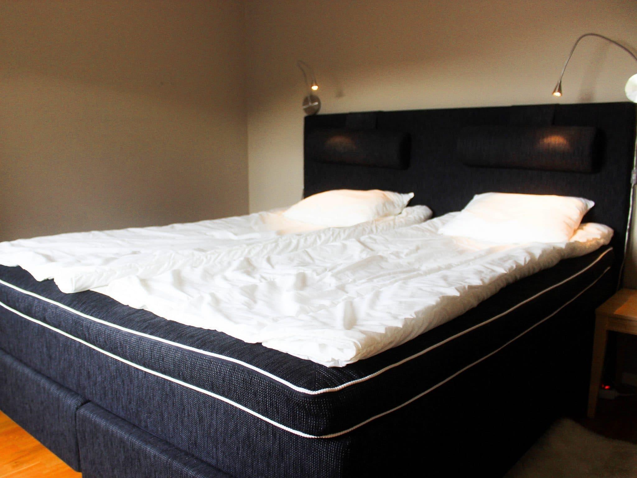 Sovrum med dubbelsäng i Hummeln i Åre