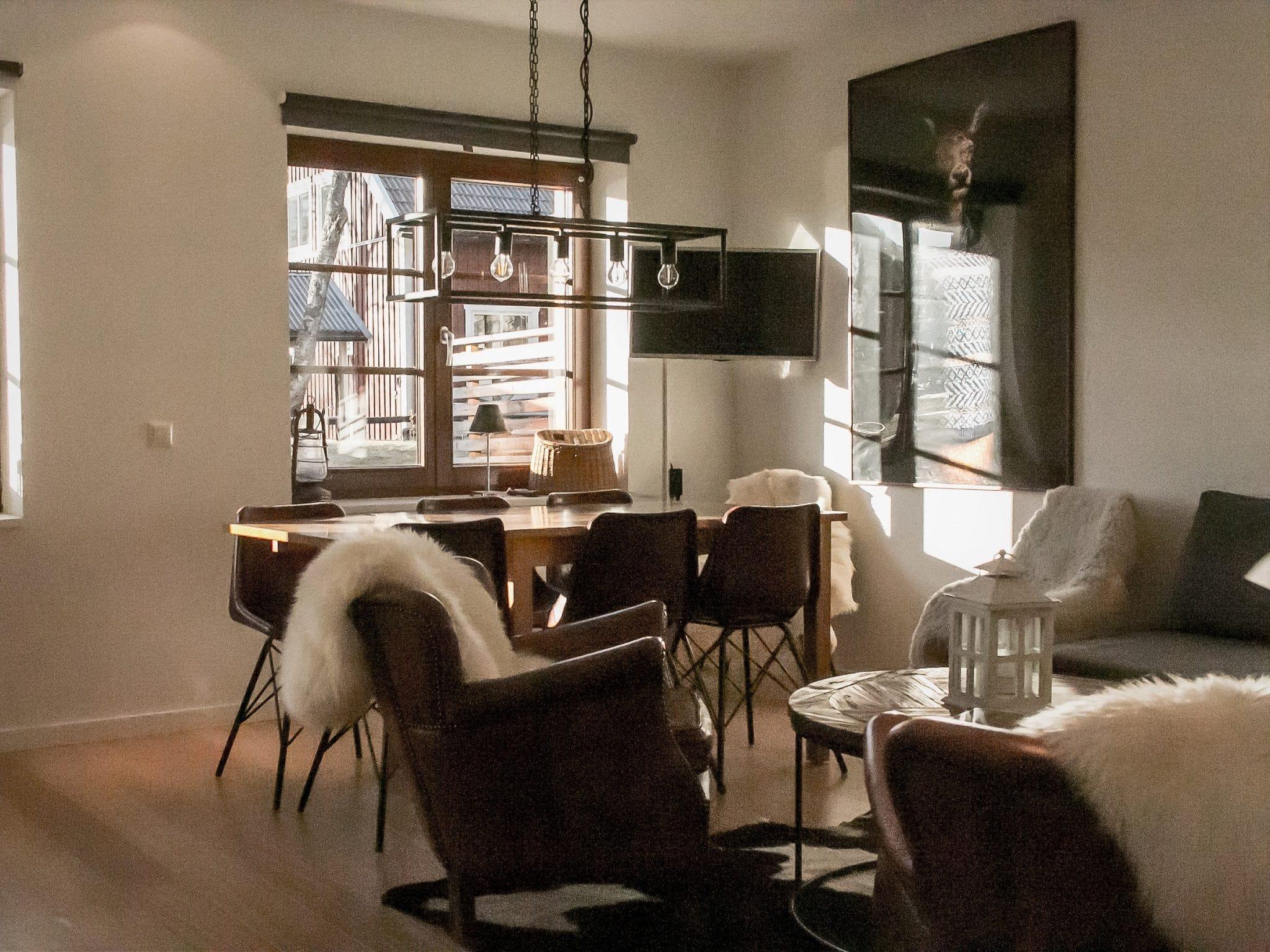 Ombonat vardagsrum i Luxhuset i Åre
