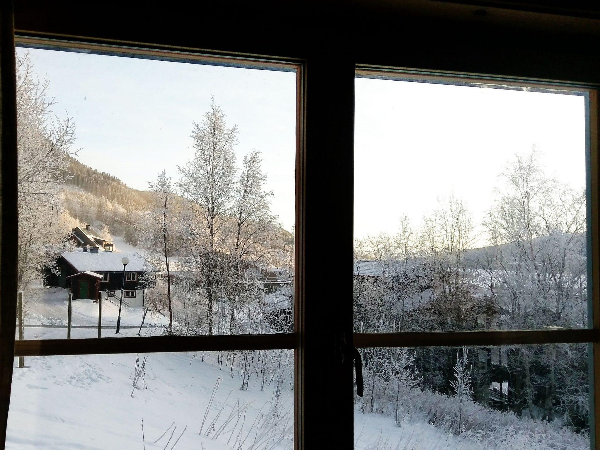 Utsikt från fönster i Slalomsvängen 9 i Åre