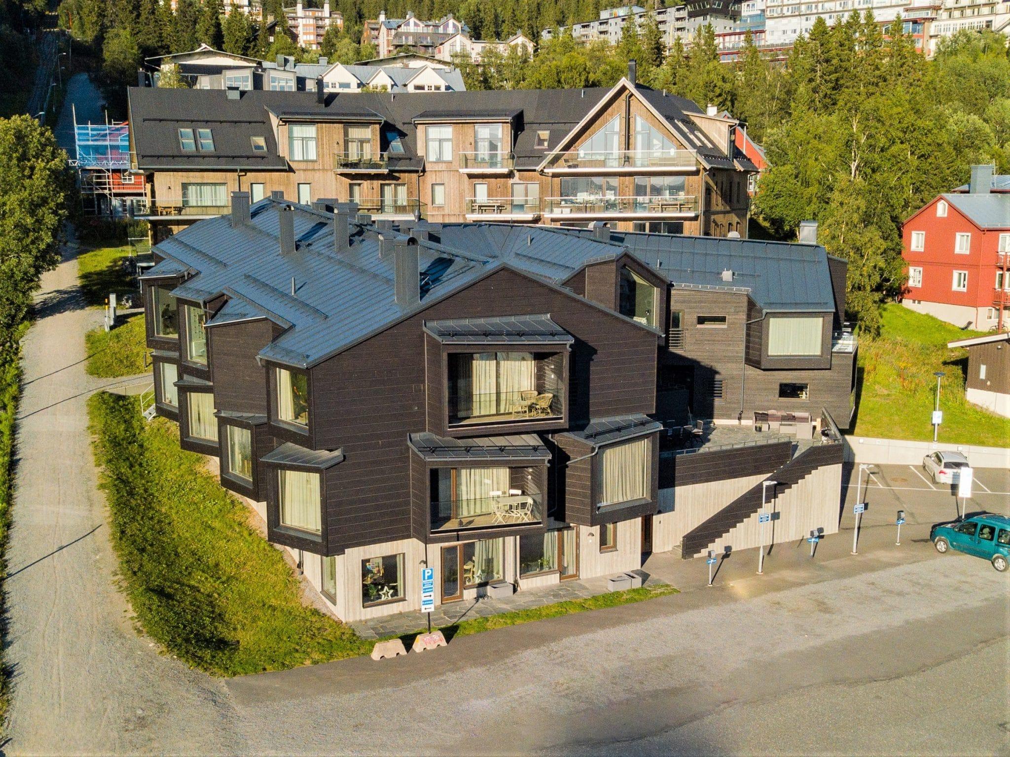 Sommarbild på Skiers Lodge.