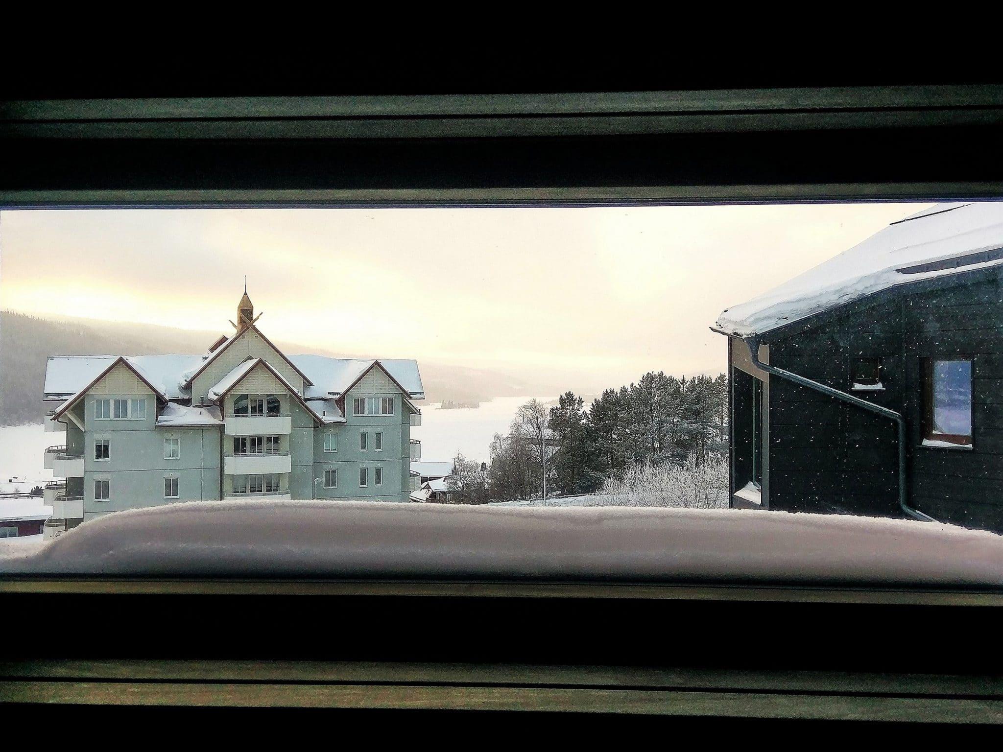 Vy över Åresjön från bastufönstret i Skiers Lodge i Åre