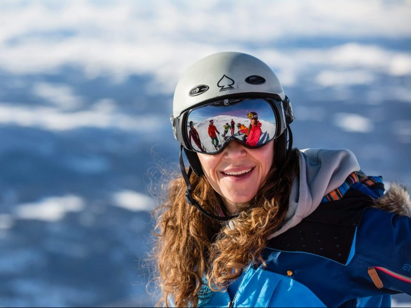 Girl in goggles on Åreskutan