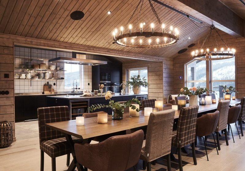 Vy över mysigt kök i Lodge 56 i Åre